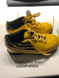 pair of yellow-and-black Adidas sneakers Edmonton, T5Y 0E1