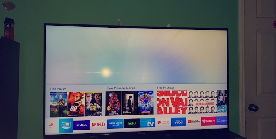 Photo 60'inch samsung smart tv