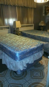 brown and gray floral mattress 914 mi