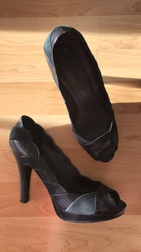 Black leather shoes - size 36 Greater Vancouver, V8E