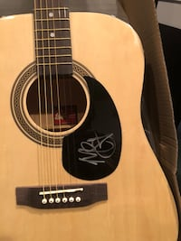 Signed Miranda Lambert guitar 400 or willing to trade for a nice set of golf clubs Quarryville, 17566