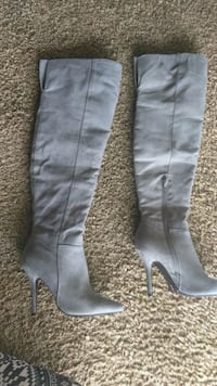 Knee high heels suede grey boots Middlesex, 27557