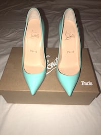 pair of teal leather pointed-toe heeled shoes Mississauga, L5V 1V5