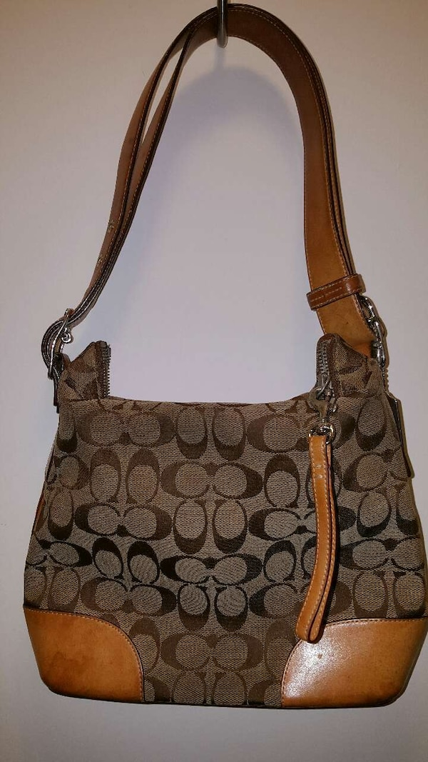 b120a8f24b6355 Used Coach authentic side bag for sale in Friendswood - letgo