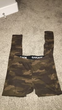 brown and black camouflage cargo shorts 3142 km