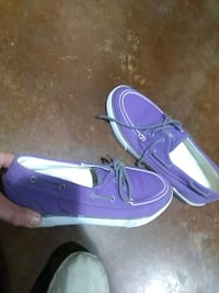 purple-and-white low top sneakers San Angelo, 76903