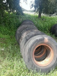 two black auto wheel with tires Plant City, 33566