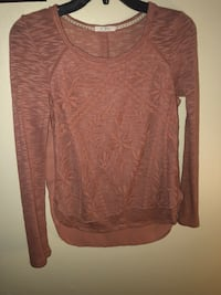 Dusty pink scoop neck long sleeve shirt size M Lebanon, 45036