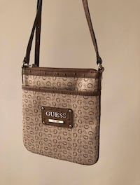 Guess Crossbody Bag / Purse Toronto, M4J 1R1