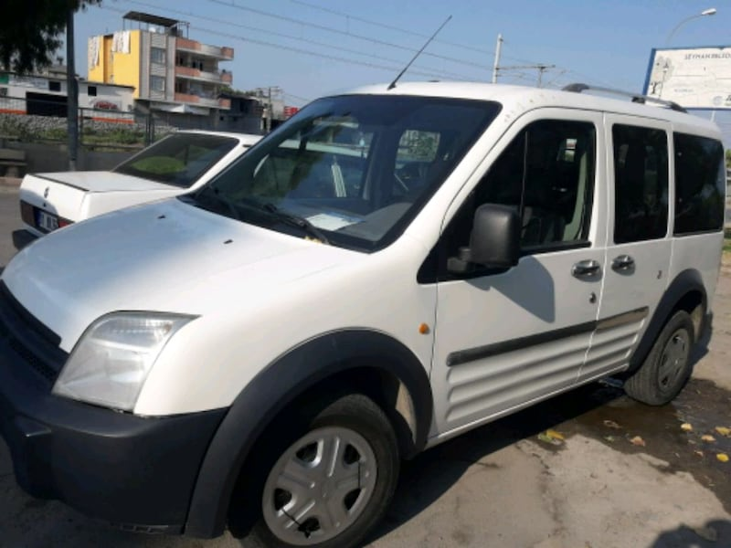 2004 Ford Transit Connect 5