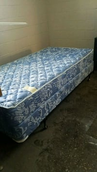 New Twin Bed set Strongsville, 44136