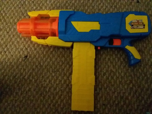 Nerf gun can hold 20 bullets toy