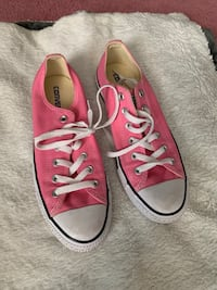 Converse size 8.5 Greencastle, 17225