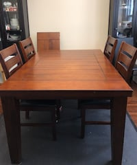 Solid Wood Dining Room table Fort Erie, L2A 2Y1