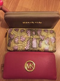 red Michael Kors leather wristlet Londra, N1 4EH