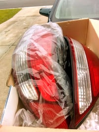 red and white plastic pack 770 mi