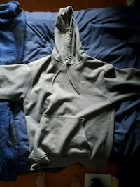 Medium champion hoodie never worn Burlington, L7T 2T6