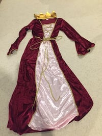 Women's size small 2-piece velvet/satin princess costume Woodbridge, 22191