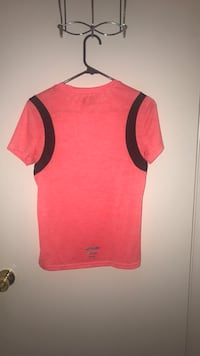 red and black crew-neck shirt Springfield, 22153