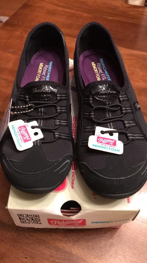 Skechers Relaxed Fit with Memory Foam Breathe Easy Good Life. Size 7.5 Black
