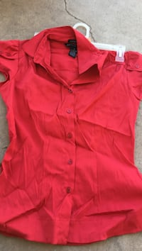 Women's pink button up collared shirt small El Paso, 79915