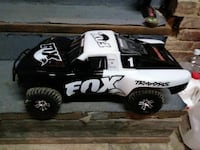 white and black Fox Traxxas car toy