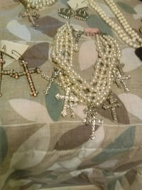 silver-colored beaded necklace Conroe, 77304