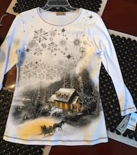 New Med. Christmas Top with tags - reg $34 Smyrna