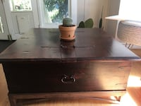 Coffee Table with trunk storage Los Angeles, 90020