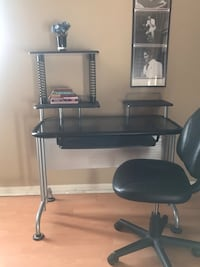 Black desk with glass top and desk chair Orlando, 32835