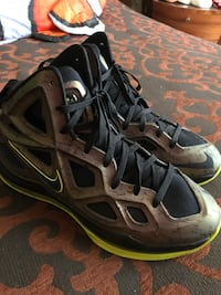 pair of black-and-brown Nike shoes Hallandale Beach, 33009