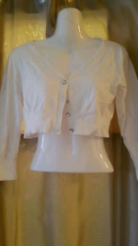 white button-up long-sleeved crop top Longueuil, J4K