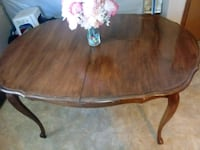 oval brown wooden coffee table Middletown, 45044
