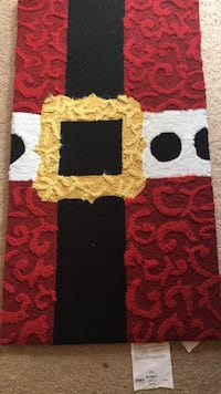 Red and black  Christmas  area rug. Dumfries, 22026