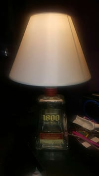 white and red table lamp San Antonio, 78224