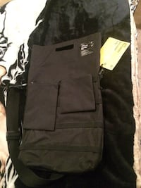 Laptop Shoulder Bag (New with tag)
