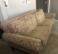 SET COUCH AND OTTOMAN & 4 PILOWS  Phoenix, 85308