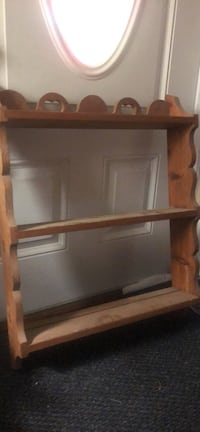 Wood shelf . Has small chip in back  Concord, 94519