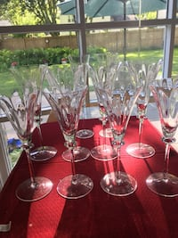 Crystal goblets. 4-water. 4 wine. 2 champagne flutes