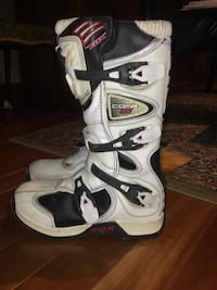 Fox comp 5 boots size youth 7