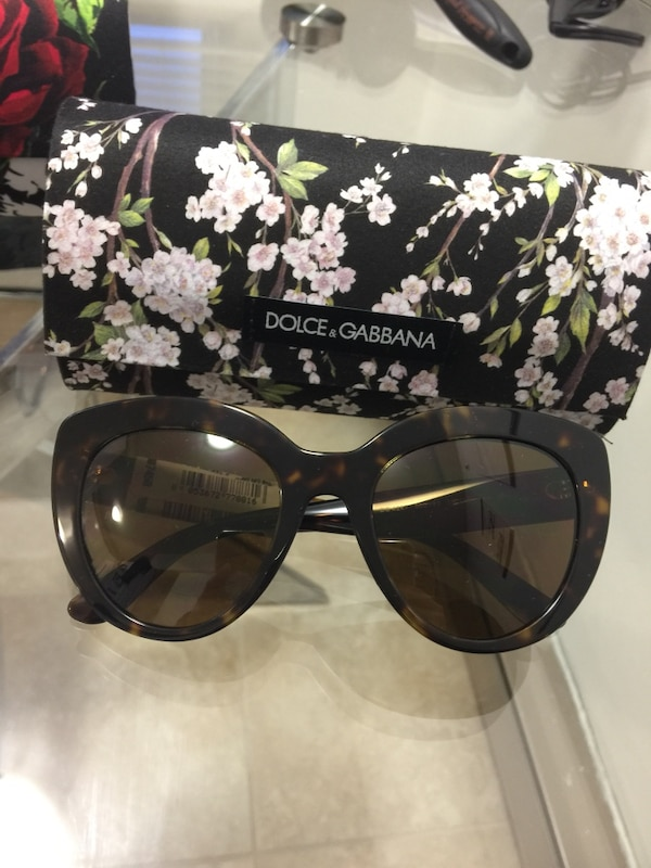 5111c2139ff02 Used Dolce and Gabbana sunglasses for sale in Montréal - letgo