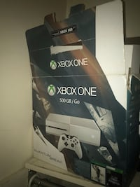 Xbox One console with controller box Wilmington, 19802
