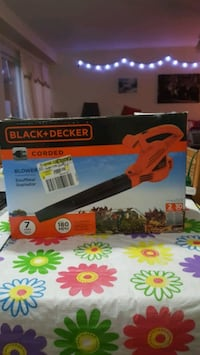 Black and Decker leaf blower used twice $25 firm