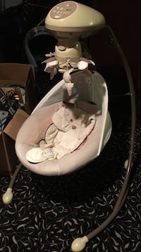 Fisher Price Infant Swing and Mobile
