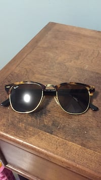 black framed Ray-Ban sunglasses Hamilton