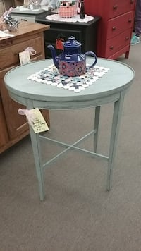 Shabby Grey Side Table Mesa