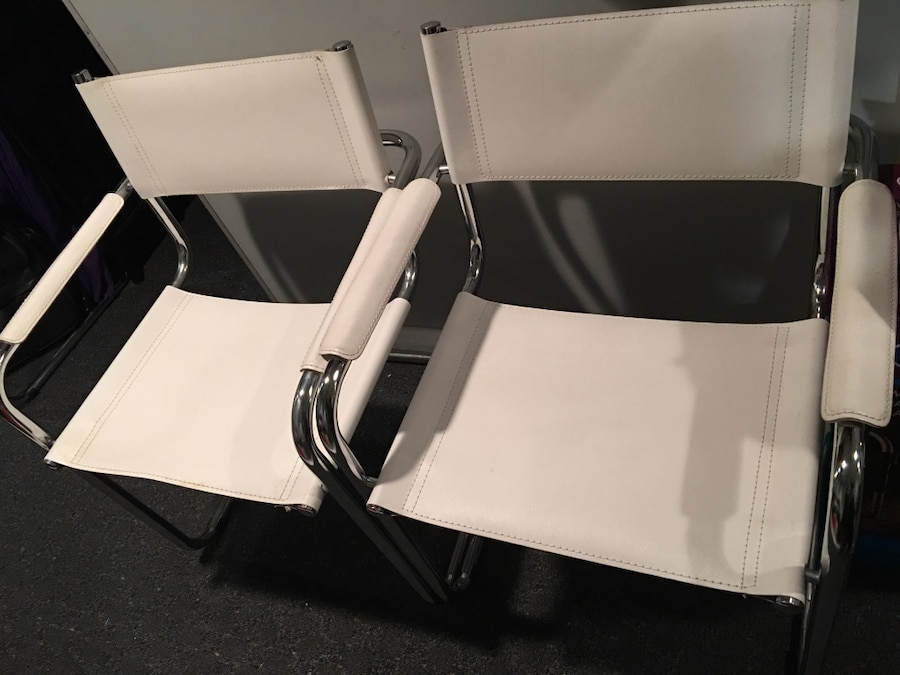 four white leather armchairs with silver frame df3 db 4d dc ebba