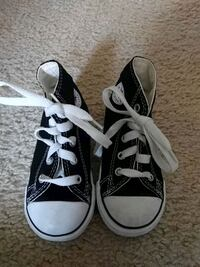 New Toddler converse shoes Brea, 92821