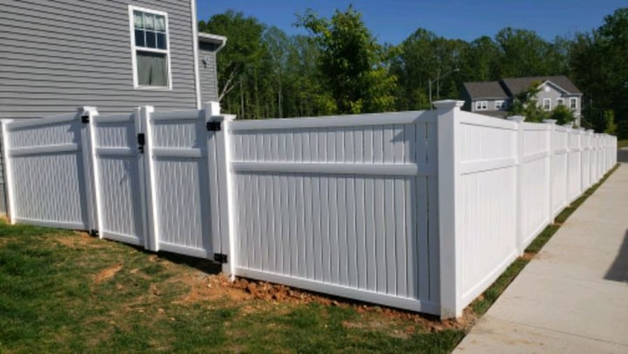 Deck and fence,free estimate .in virginia. afffb67f-19e9-45fd-8eba-277aac865829