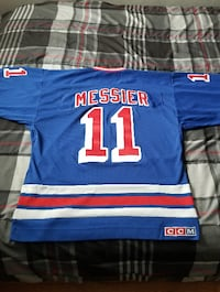 NY Mark Messier/ CO Nathan MacKINNON DENVER
